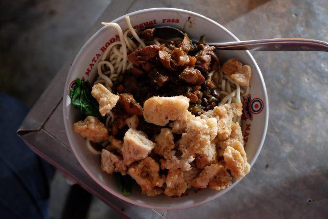Seporsi Kenangan di Mie Ayam Sendowo Pak Wiyono