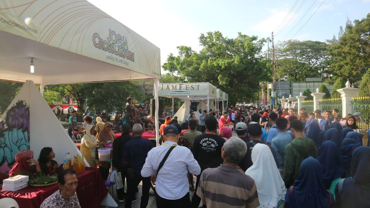Jogja Cross Culture Menyulap Titik Kilometer 0 Menjadi Ajang Festival Jamu